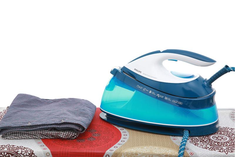 Review chi tiết về bàn ủi hơi nước Philips GC7805
